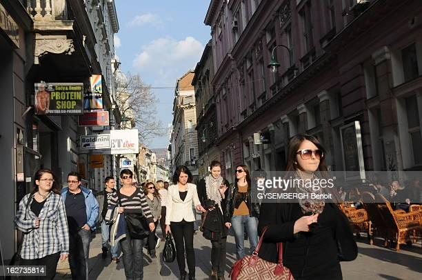 Back In Bosnia And Herzegovina Twenty Years After The War. Bosnie-Herzégovine - Mars 2012 - Vue de la Sniper Alley, aujourd'hui une rue commerçante...