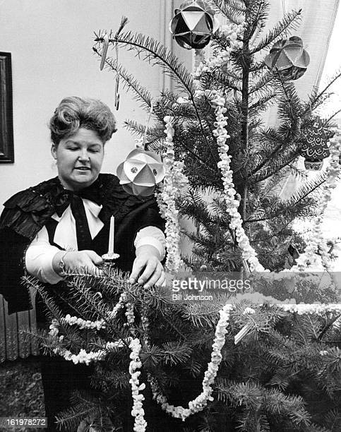NOV 29 1971 NOV 31 1971 DEC 1 1971 Back In The Old Days Toy trains had threerail tracks and the only way to light a Christmas tree was to deck it...