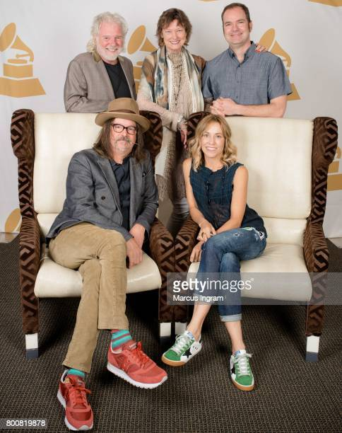 back row Chuck Leavell Roselane Leavell and Brandon Bush front row Songwriter Jeff Trott and SingerSongwriter Sheryl Crow taking portraits during...