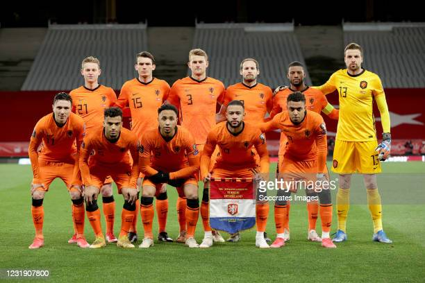 Back row: Frenkie de Jong of Holland, Marten de Roon of Holland, Matthijs de Ligt of Holland, Daley Blind of Holland, Georginio Wijnaldum of Holland,...