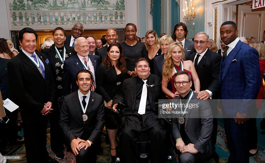 31th Annual Great Sports Legends Dinner To Benefit The Buoniconti Fund To Cure Paralysis - Legends Reception