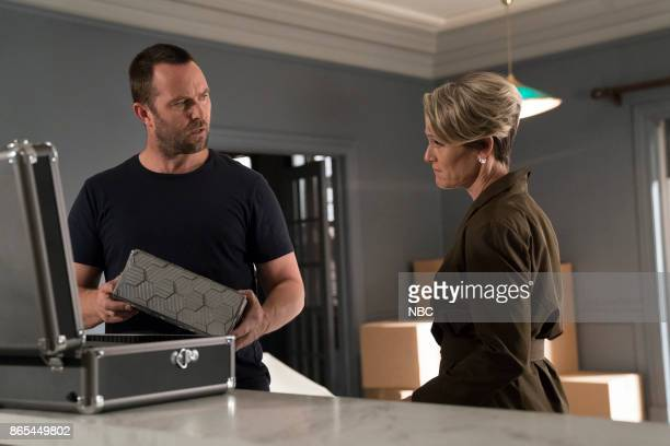 BLINDSPOT 'Back to the Grind' Episode 301 Pictured Sullivan Stapleton as Kurt Weller Mary Stuart Masterson as Director Hirst
