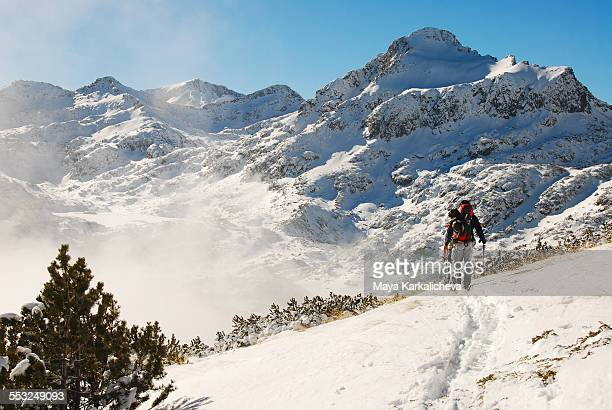 backcountry skiers in a mountain, europe, bulgaria - bansko foto e immagini stock