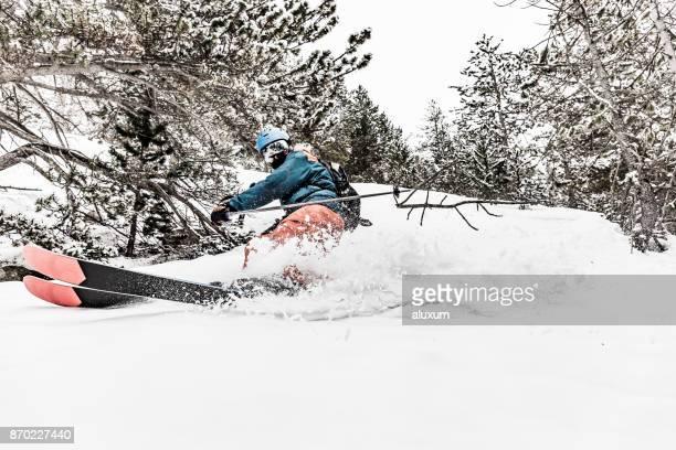 esquí de fondo en andorra - andorra fotografías e imágenes de stock