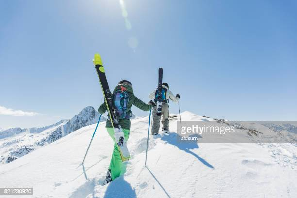 backcountry skiing - female skier stock pictures, royalty-free photos & images