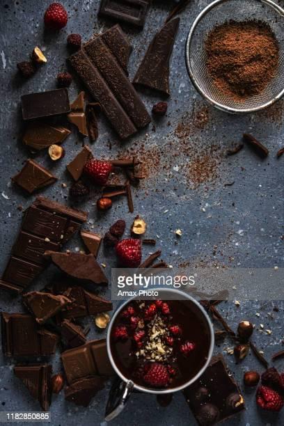 チョコレートの背景 - ダークチョコレート ストックフォトと画像
