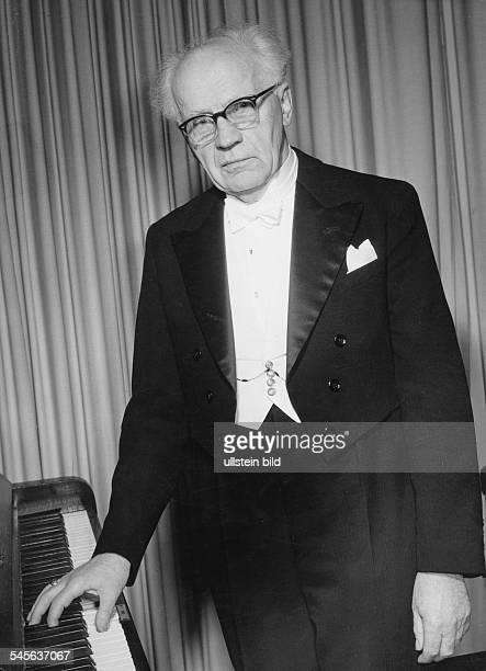 Backhaus, Wilhelm *26.03.1884-+Pianist, Dum 1960- undatiert