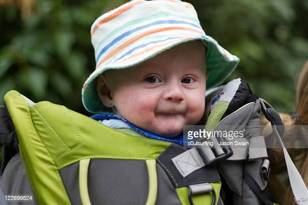 backpack baby - s0ulsurfing stockfoto's en -beelden