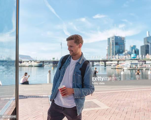 Backpacker in Sydney