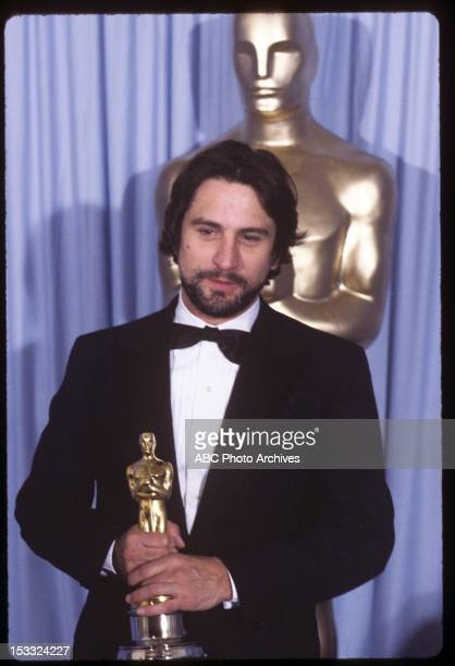 Backstage Coverage - Airdate: March 31, 1981. ROBERT DE NIRO WITH BEST ACTOR OSCAR FOR 'RAGING BULL'