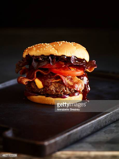 bacon barbeque burger - cheeseburger stock pictures, royalty-free photos & images