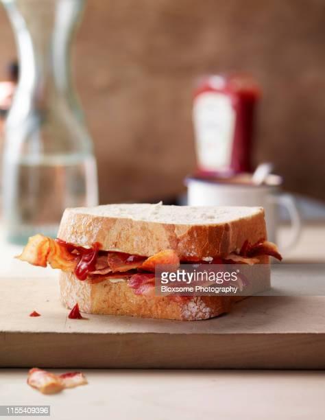 bacon sandwich - spek stockfoto's en -beelden