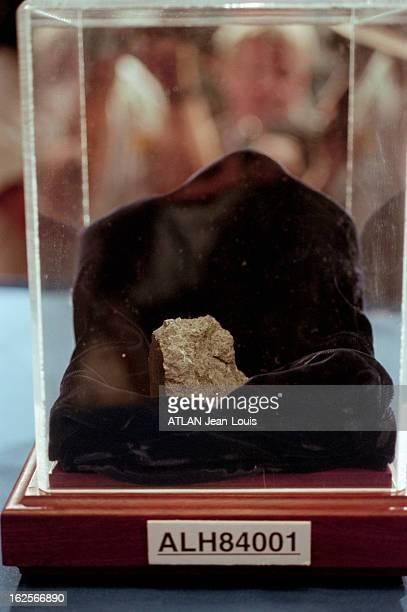 Bacterial Life On Mars A Washington le 7 août 1996 Lors d'une conférence de presse des scientifiques de la NASA et de l'université de Standford...