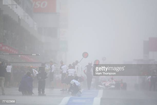 Bad weather causes the cancellation of the warm up session prior to qualifying for the Japanese Formula One Grand Prix at the Fuji Speedway on...