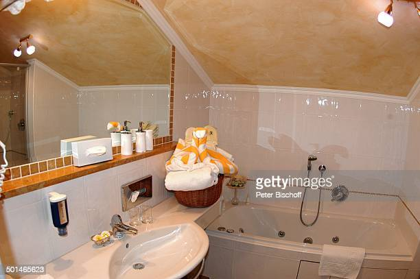 351 Badezimmer Photos And Premium High Res Pictures Getty Images
