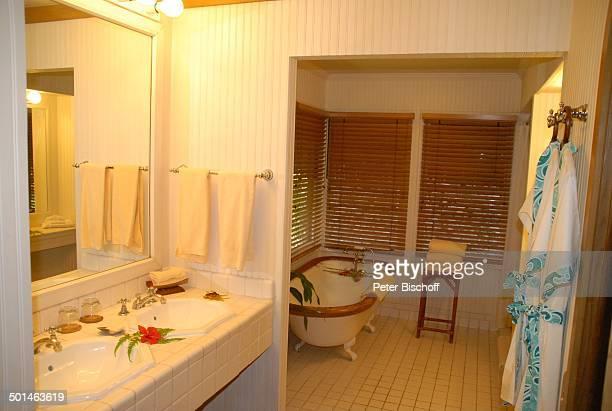 Badezimmer LuxusBungalow Hotel Bora Bora Insel Bora Bora FranzösischPolynesien Südsee innen Badewanne Waschbecken Reise BB DIG PNr 362/2008