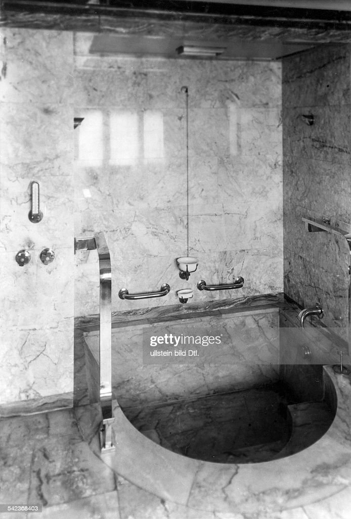 Badezimmer Mit Verkleidung Aus Spanischem Rosa Marmorum 1934