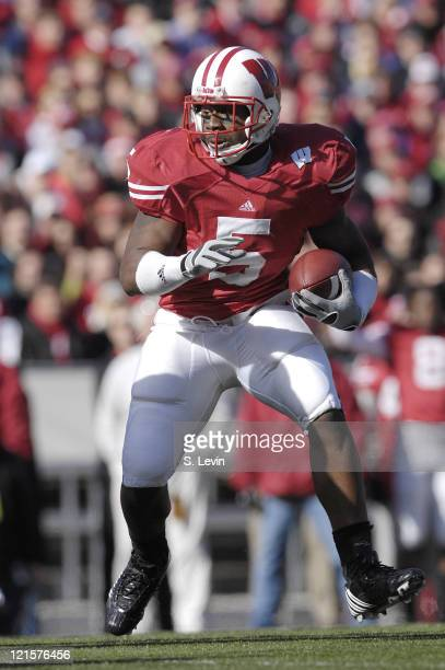 Badgers running back Lance Smith during the game between the Wisconsin Badgers and the Illinois Fighting Illini at Camp Randall Stadium in Madison...
