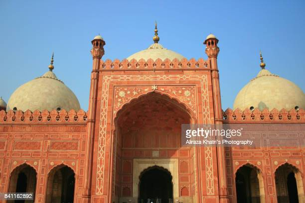 badshahi mosque, lahore - mughal marvel in pakistan. - badshahi mosque stock pictures, royalty-free photos & images