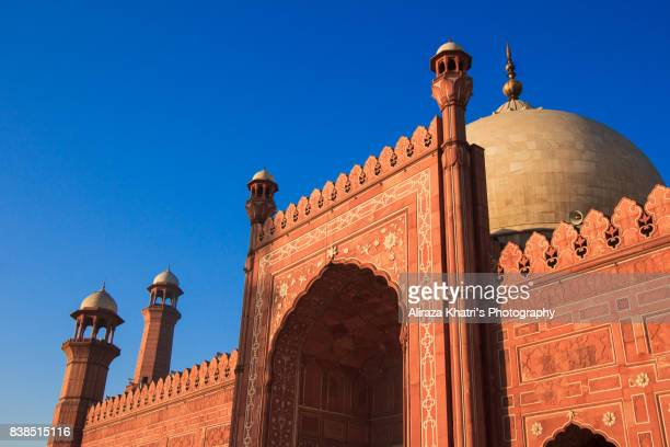 badshahi mosque, lahore. - pakistan stock pictures, royalty-free photos & images