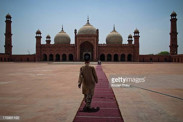 badshahi mosque - パキスタン ラホール市 ストックフォトと画像