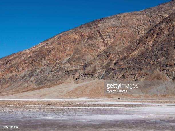 badwater basin-death valley 0010 - lake bed fotografías e imágenes de stock