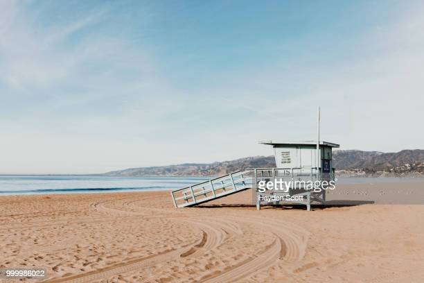 bae watch - strandwächterhaus stock-fotos und bilder