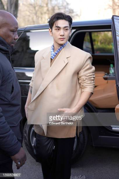 Baekho arrives at the Dunhill Menswear Fall/Winter 20202021 show as part of Paris Fashion Week on January 19 2020 in Paris France