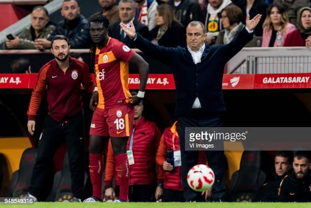 Bafetimbi Gomis of Galatasaray SK coach Fatih Terim of Galatasaray SK during the Ziraat Turkish Cup match Fenerbahce AS and Akhisar Belediyespor at...