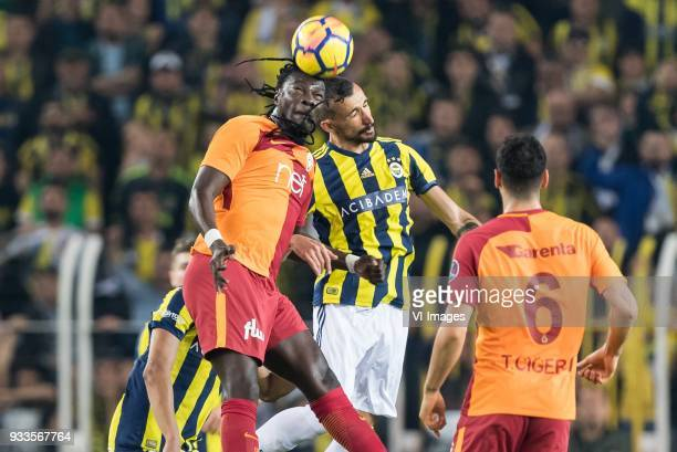 Bafetimbi Gomis of Galatasaray SK Mehmet Topal of Fenerbahce SK during the Turkish Spor Toto Super Lig match Fenerbahce AS and Galatasaray AS at the...