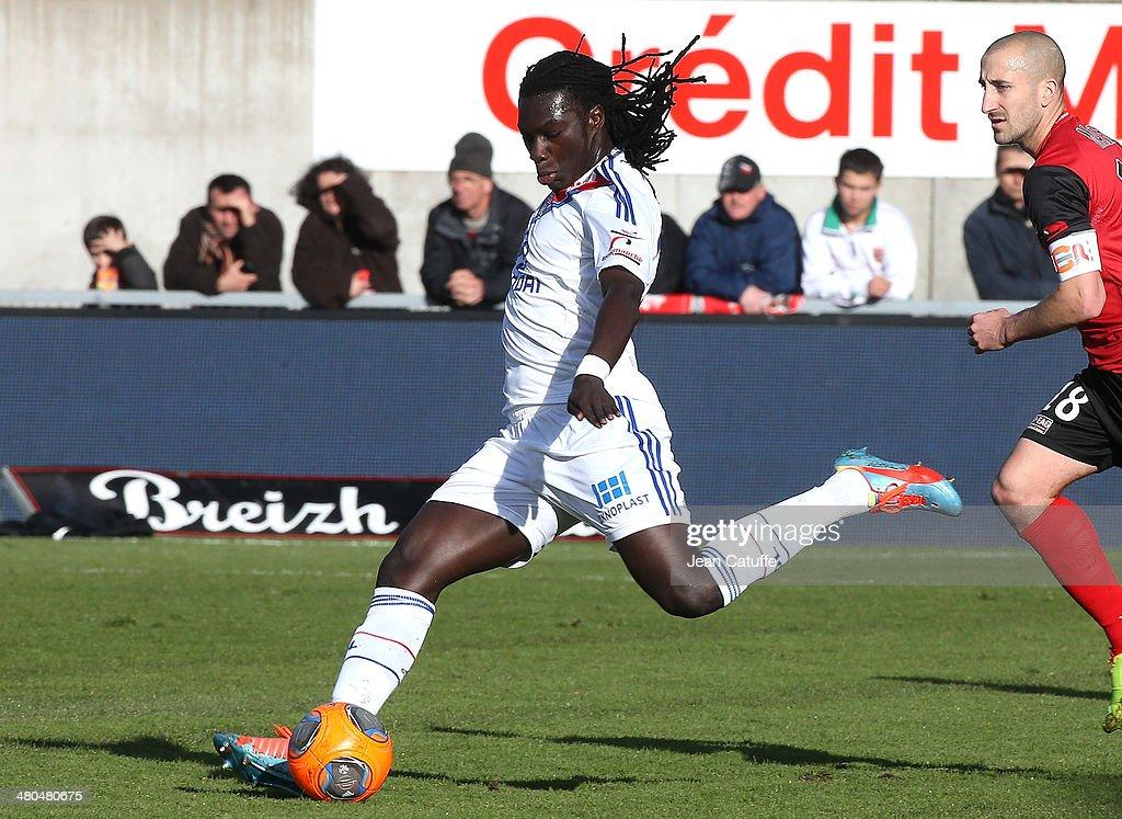 EA Guingamp v Olympique Lyonnais - Ligue 1 : News Photo