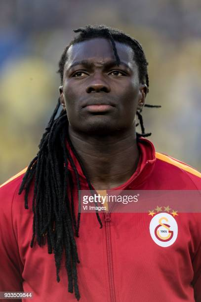 Bafetimbi Gomis Sofiane Feghouli during the Turkish Spor Toto Super Lig match Fenerbahce AS and Galatasaray AS at the Sukru Saracoglu Stadium on...