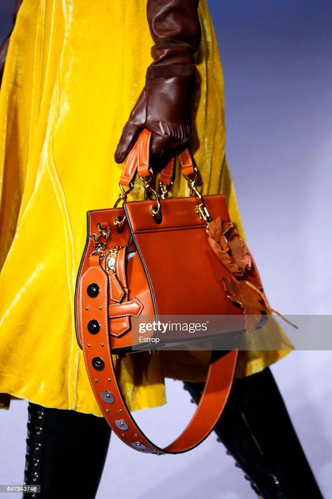 Altuzarra - Details - New York Fashion Week Fall/Winter 2017/18 : News Photo