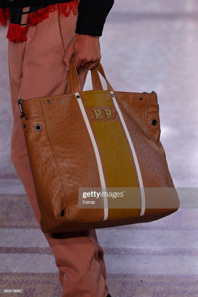 ac8609c59 Bottega Veneta - Details - Milan Fashion Week Spring/Summer 2018 : News  Photo