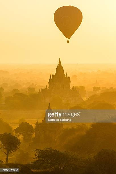 Bagan, balloons flying over ancient temples