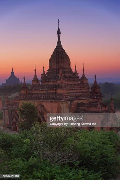 bagan pagoda before sunrise - copyright by siripong kaewla iad stock photos and pictures