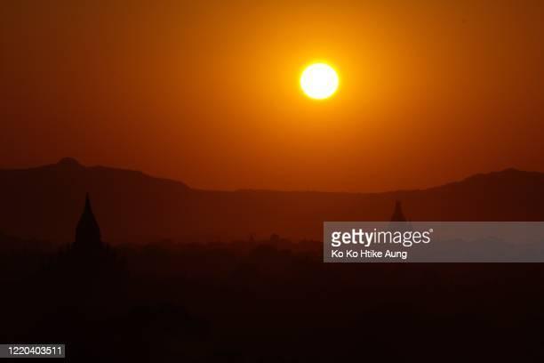 bagan sunset - ko ko htike aung stock pictures, royalty-free photos & images
