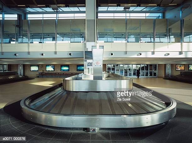 baggage claim - baggage claim stock pictures, royalty-free photos & images