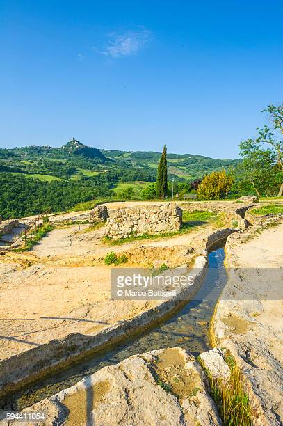 bagno vignoni, siena province, tuscany, italy. details of outdoor thermal spring - san quirico d'orcia stock pictures, royalty-free photos & images