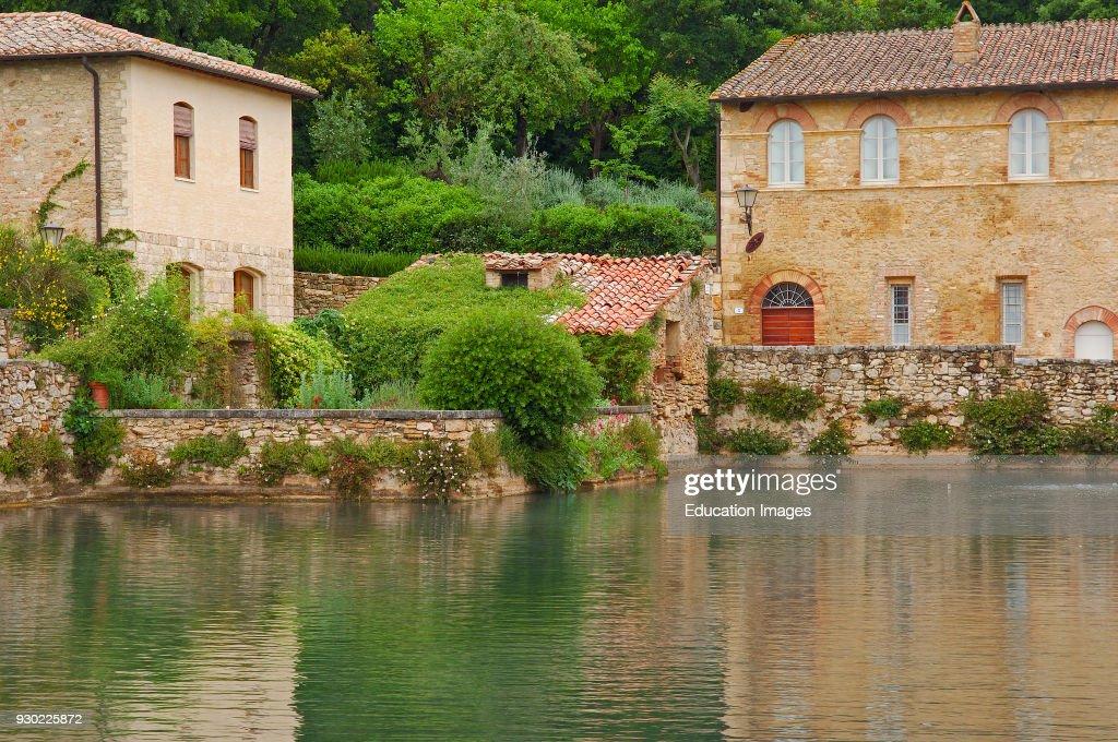 Bagno Vignoni. Termal Pool, Val d\'Orcia, Orcia Valley. Siena ...