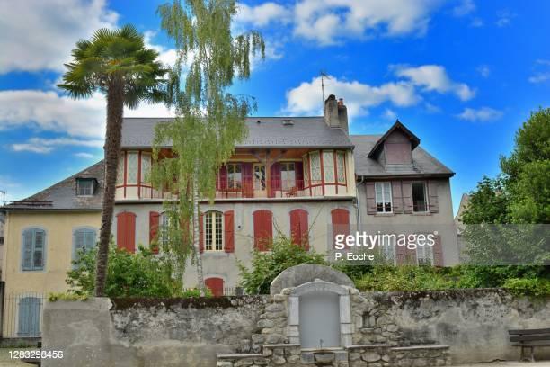 bagnères-de-bigorre, old house - bagneres de bigorre stock pictures, royalty-free photos & images