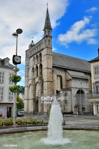 bagnères-de-bigorre, st. vincent's church - バニェールドビゴール ストックフォトと画像