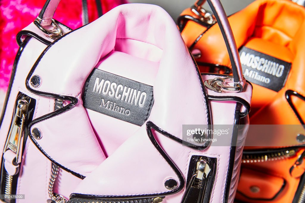 Moschino - Backstage -  Milan Fashion Week Fall/Winter 2018/19 : Photo d'actualité