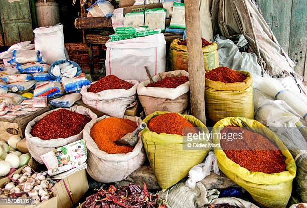 bags of spices in kashgar - didier marti stock-fotos und bilder