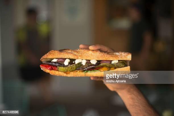 baguette sandwich - sanduíche imagens e fotografias de stock