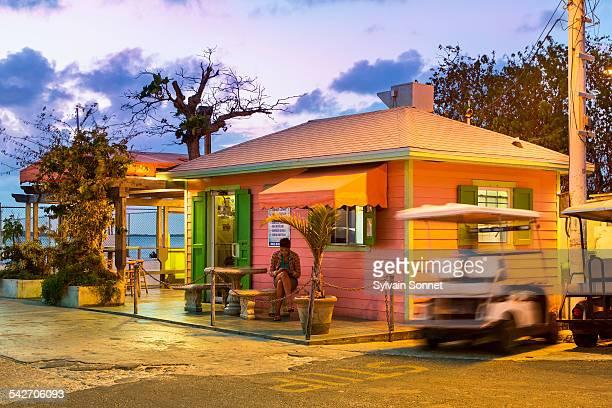 bahamas, harbour island, street in dunmore town - ダンモアタウン ストックフォトと画像