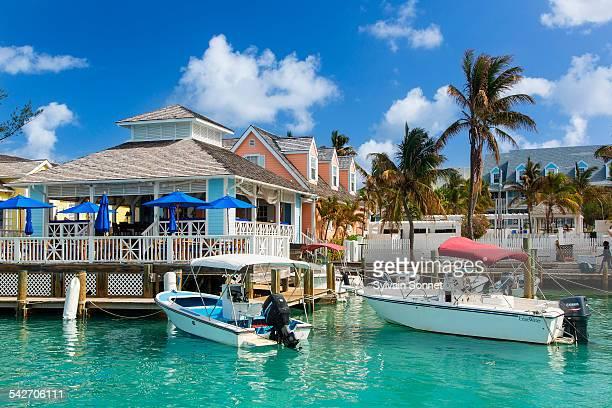 bahamas, harbour island, valentine's marina - ハーバー島 ストックフォトと画像