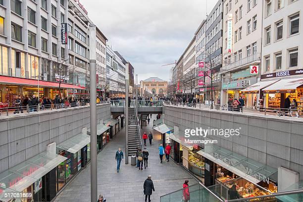bahnhofstrasse - hannover - fotografias e filmes do acervo