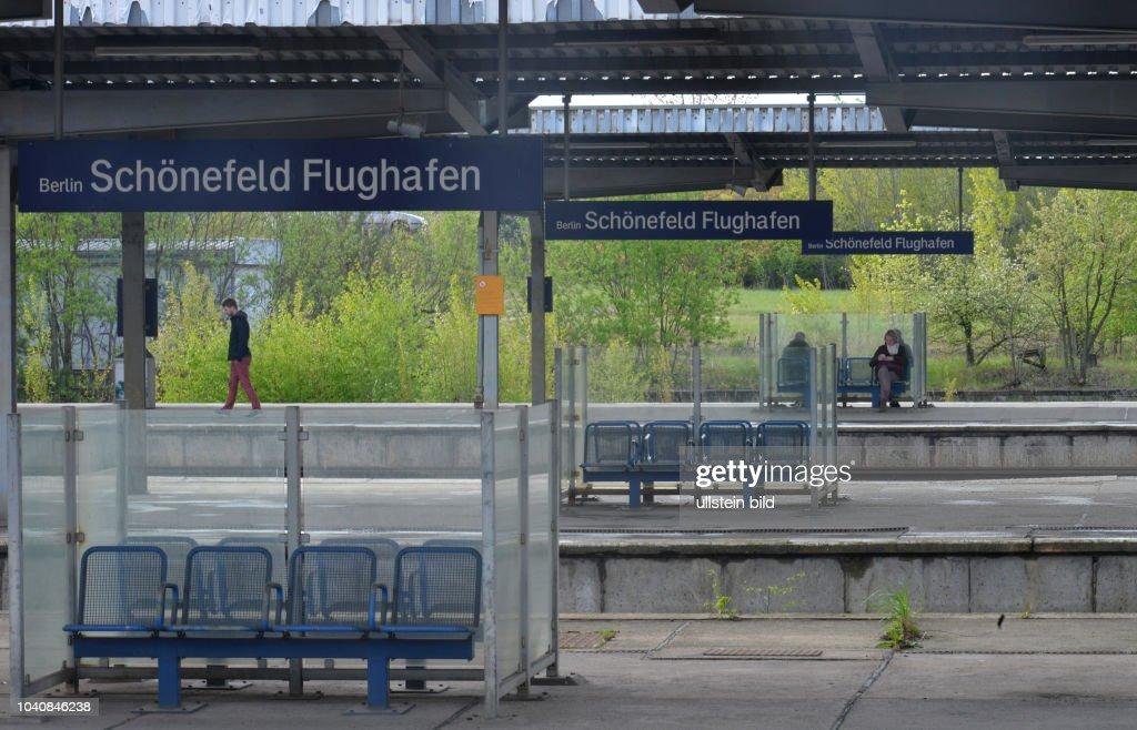 Bahnhof Flughafen Schoenefeld Brandenburg Deutschland : News Photo