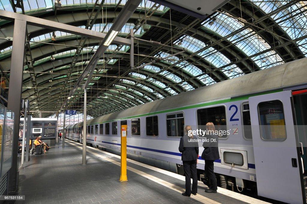 Ostbahnhof Berlin Deutschland : News Photo